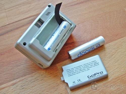 Es passen Standard-Batterien in die GoPro R/C Hero