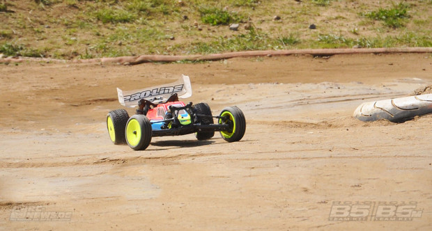 Testbericht-Review-Team-Associated-B5-B5M-42