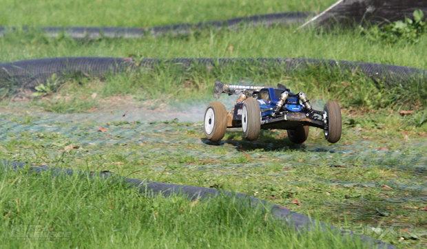Testbericht-LRP-S8-NXR-1-8-Nitrobuggy-09
