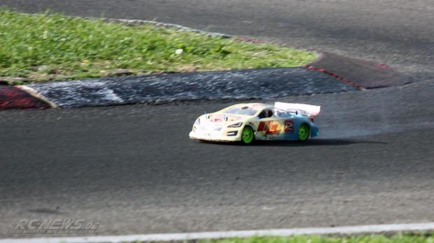 Praxistest-KM-Racing-H-K1-Meen-Version-auf-der-Rennstrecke-01