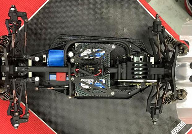 Serpent-Spyder-SRX4-4WD-Buggy-Billy-Easton-8