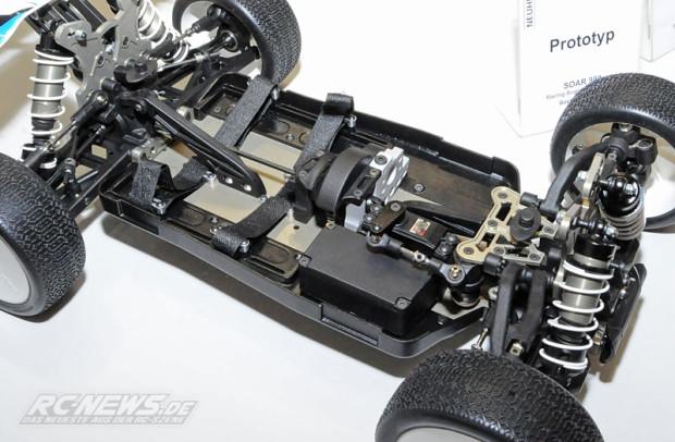 Spielwarenmesse-2015-GraupnerSOAR-998-1-8-Elektro-Buggy-Prototyp-4