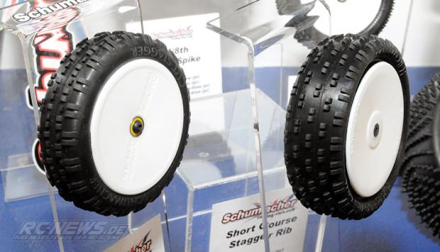 Spielwarenmesse-2015-Schumacher-4WD-Stagger-Rib-Mini-Pin-2-2