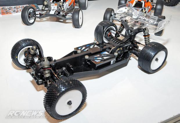 Spielwarenmesse-2015-Serpent-Spyder-SRX4-4WD-Buggy-01