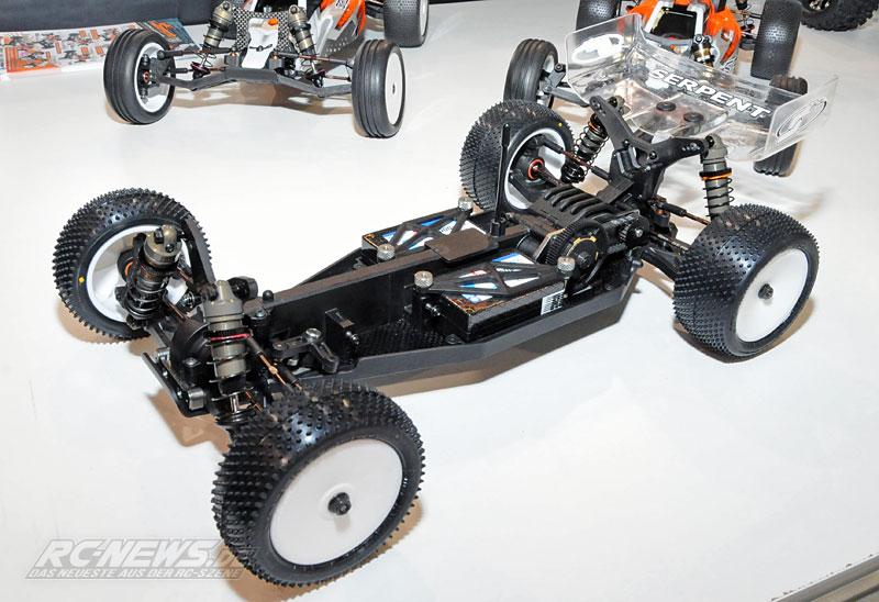 Spielwarenmesse-2015-Serpent-Spyder-SRX4-4WD-Buggy-01.jpg