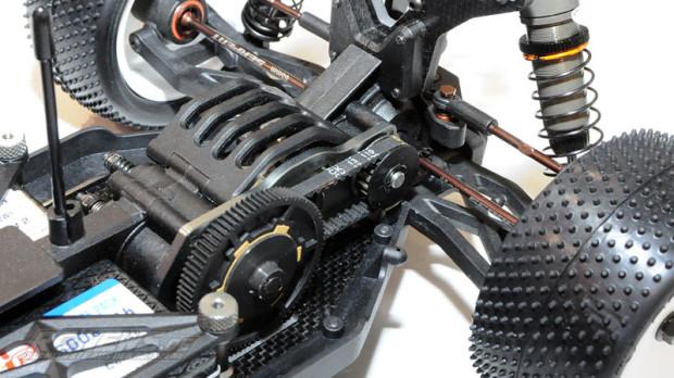 Spielwarenmesse-2015-Serpent-Spyder-SRX4-4WD-Buggy-03