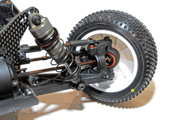 Spielwarenmesse-2015-Serpent-Spyder-SRX4-4WD-Buggy-04