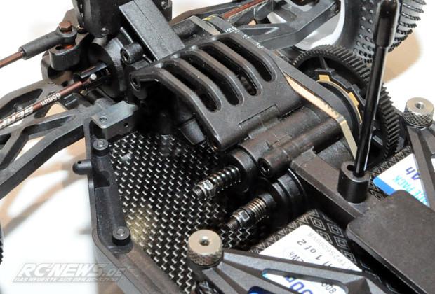 Spielwarenmesse-2015-Serpent-Spyder-SRX4-4WD-Buggy-05
