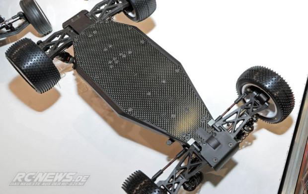 Spielwarenmesse-2015-Serpent-Spyder-SRX4-4WD-Buggy-07