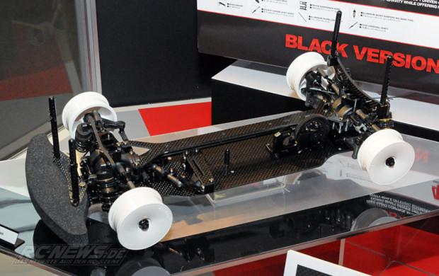 Spielwarenmesse-2015-Tamiya-TB-EVO-6-Chassis-Kit-Black-Version-1