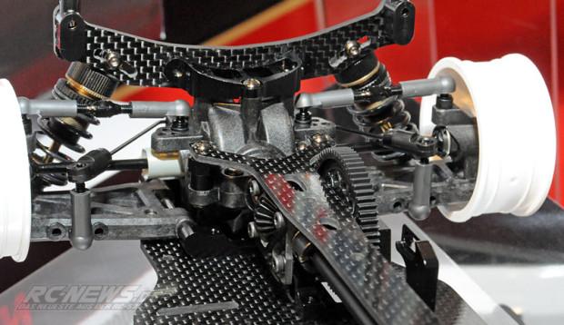 Spielwarenmesse-2015-Tamiya-TB-EVO-6-Chassis-Kit-Black-Version-4