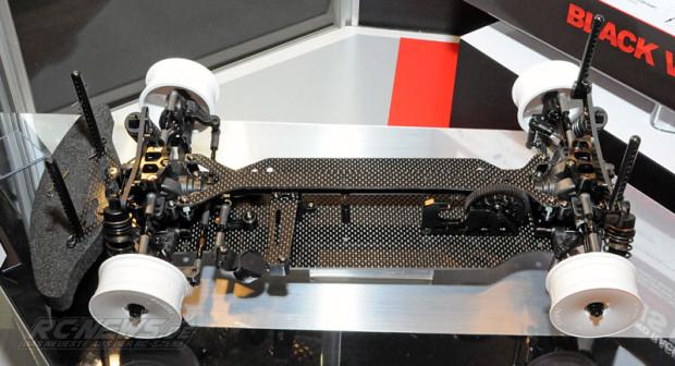 Spielwarenmesse-2015-Tamiya-TB-EVO-6-Chassis-Kit-Black-Version-5
