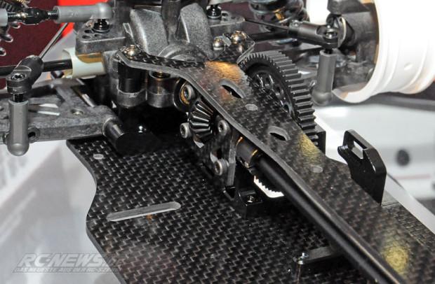 Spielwarenmesse-2015-Tamiya-TB-EVO-6-Chassis-Kit-Black-Version-6