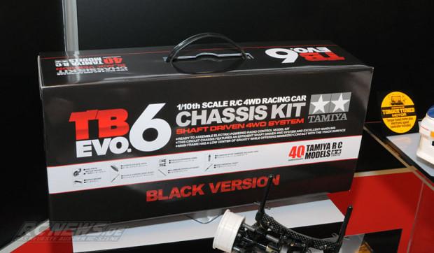 Spielwarenmesse-2015-Tamiya-TB-EVO-6-Chassis-Kit-Black-Version-7