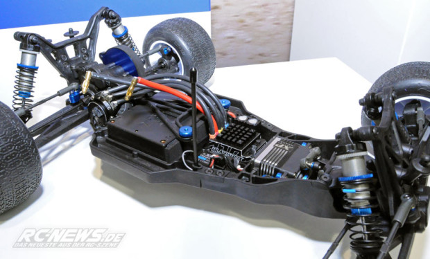 Spielwarenmesse-2015-Team-Associated-T5M-Truck-4