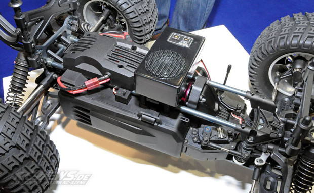Spielwarenmesse-2015-Thundertiger-K-Rock-MT4-G5-1-8-Brushless-Monster-2