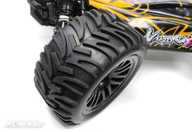 Test-Quanum-Vandal-XL-4WD-Buggy-06