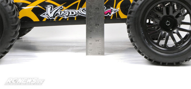 Test-Quanum-Vandal-XL-4WD-Buggy-13