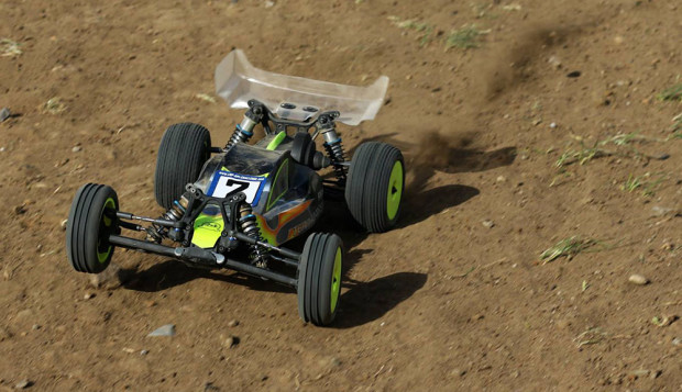 X-Factory-Infinity-Chassis-Team-Associated-B5M-Test-6