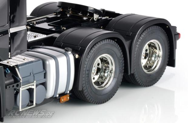 Tamiya-1-14-Mercedes-Benz-Actros-3363-6x4-GigaSpace-3
